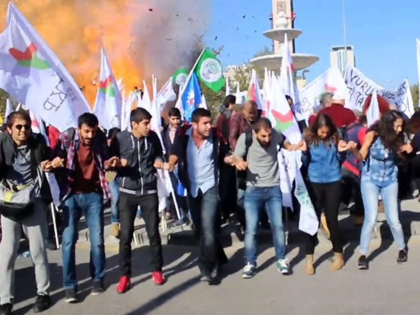 Explosões nos arredores de estação de trem em Ancara matam ao menos 86, neste sábado (10)