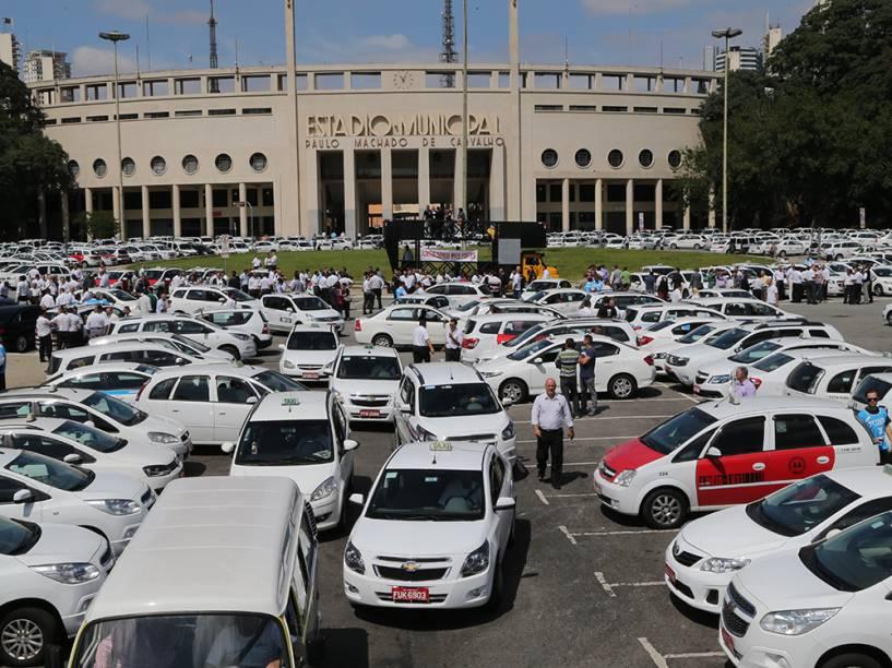 Taxistas protestam contra o uso do aplicativo Uber, em São Paulo