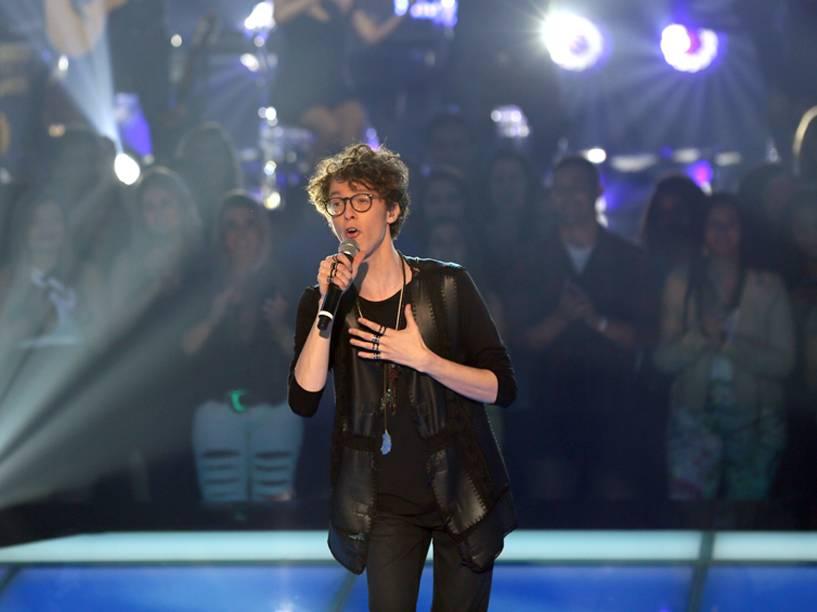 Finalista do The Voice Brasil, Ayrton Montarroyos foi acompanhado por Lulu Santos
