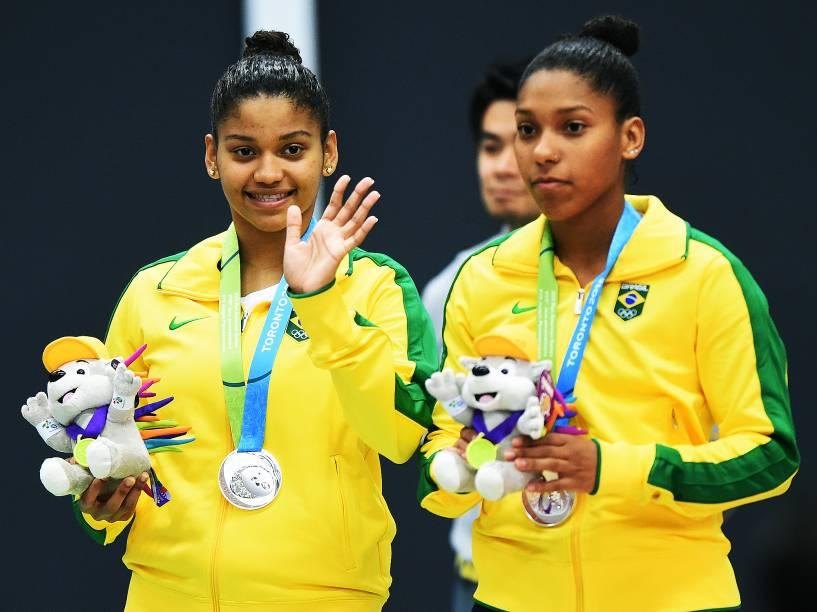 Lohaynny Vicente e Luana Vicente recebem a medalha de prata e alcançam o feito de ser a primeira dupla feminina brasileira a chegar até a final da disputa de Badminton em toda a história dos Jogos Pan-Americanos