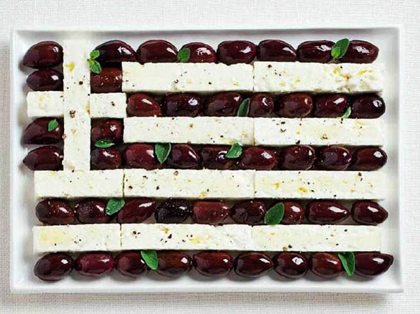 Bandeira da Grécia: Azeitonas e queijo feta