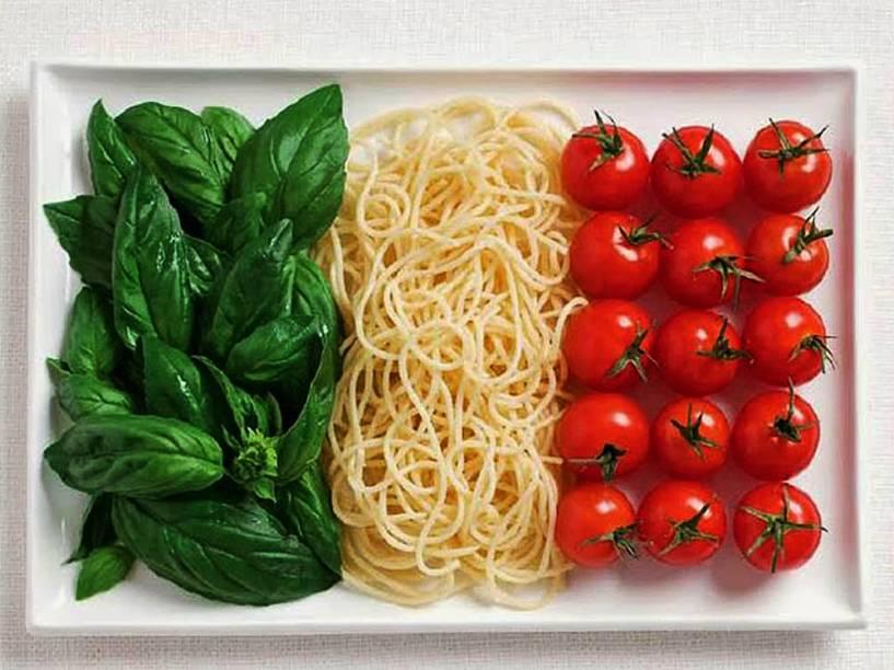 Bandeira da Itália: Majericão, macarrão e tomates