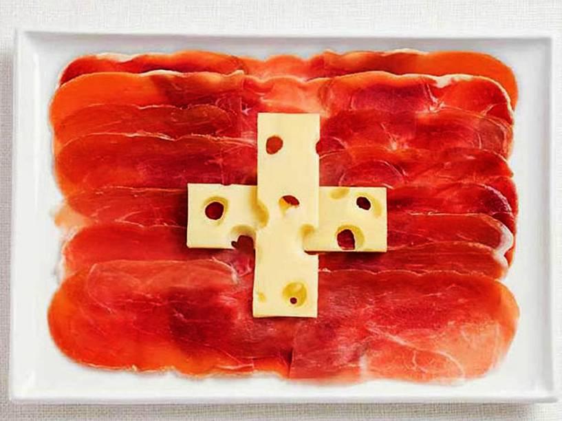 Bandeira da Suíça: Charcutaria e queijo suíço