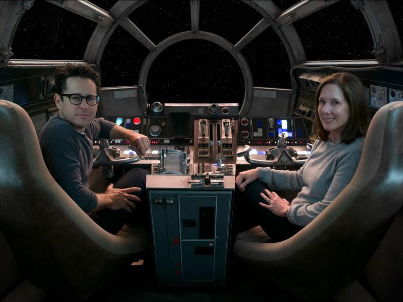 O diretor J.J.Abrams e a produtora Kathleen Kennedy nos bastidores do filme Star Wars: O despertar da força