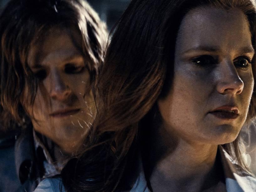 Lois Lane (Amy Adams) e Lex Luthor (Jesse Eisenberg) em cena do filme Batman vs. Superman - A Origem da Justiça