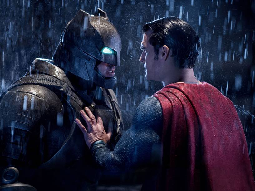 Ben Affleck como Batman e Henry Cavill na pele do Superman no filme Batman vs. Superman - A Origem da Justiça