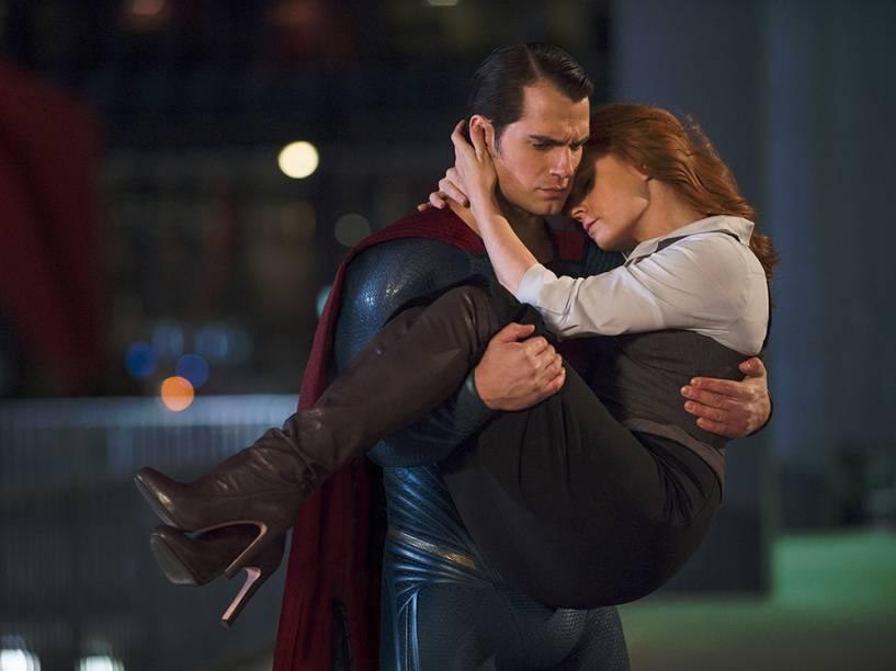 Super-homem (Henry Cavill) e Lois Lane (Amy Adams) em cena do filme Batman vs. Superman - A Origem da Justiça