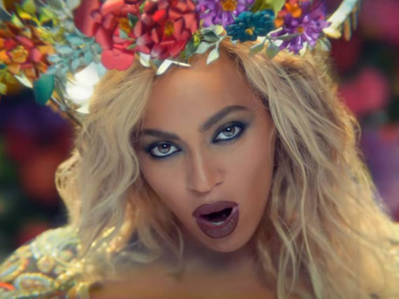 Beyoncé no clipe de Hymn For The Weekend, do Coldplay