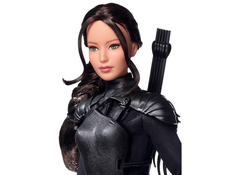 Katniss (Jennifer Lawrence) em versão Barbie de Jogos Vorazes