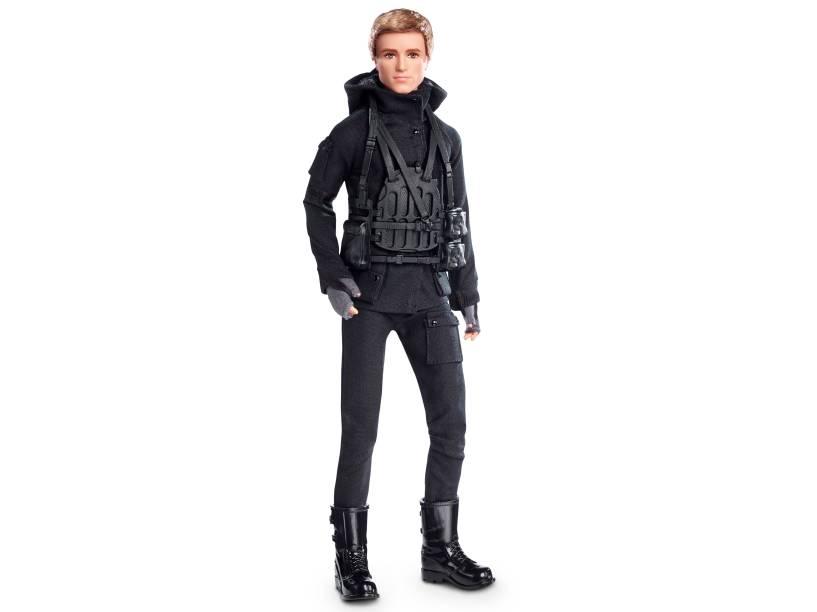 Peeta (Josh Hutcherson) vira boneco da Mattel