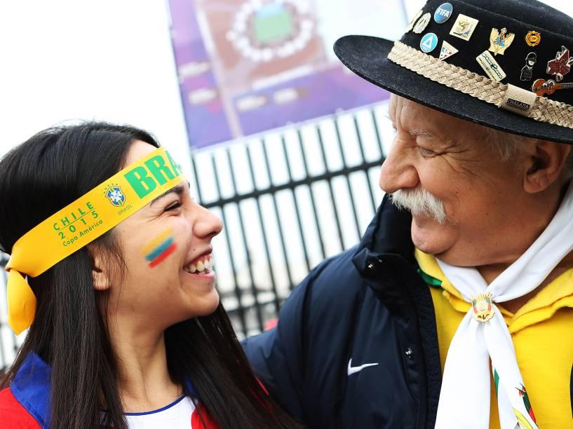 Chegada de torcedores ao estádio Monumental David , em Santiago, no Chile, para a partida entre Brasil e Venezuela, válida pela terceira e última rodada do grupo C da Copa América, neste domingo (21)