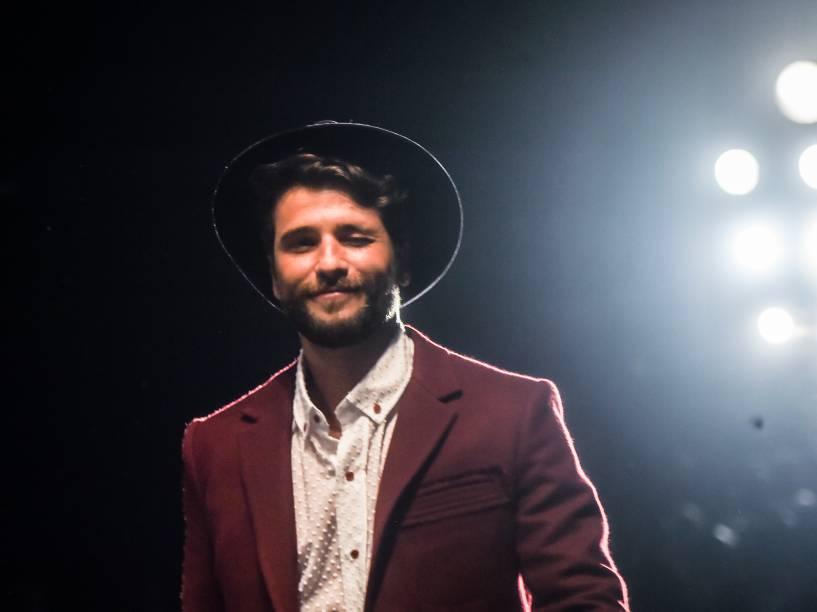 O ator Bruno Gagliasso desfila para a grife Cavalera, durante a SPFW 2014