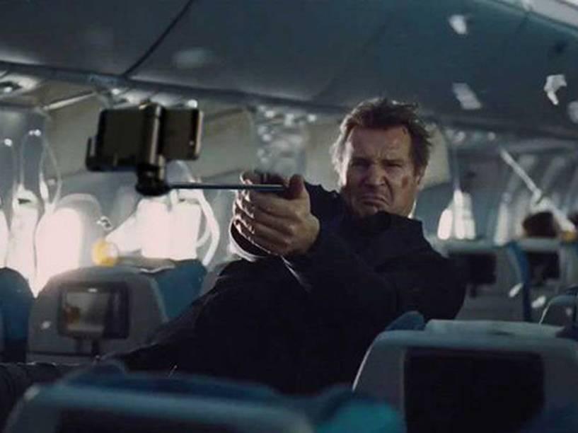 Liam Neeson em: Sem Escalas, com Selfie - Sem Escalas