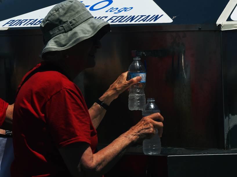 Um dos pontos mais concorridos no Parque Pan-Americano era o bebedouro gratuito