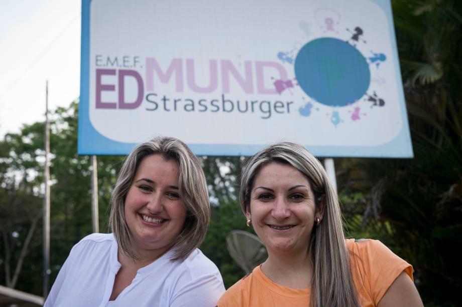 Ana Aline Gomes Schimitt e Bernadete Maria Gomes, diretora e vice-diretora da escola municipal Edmund Strassburger, em Campo Bom (RS)