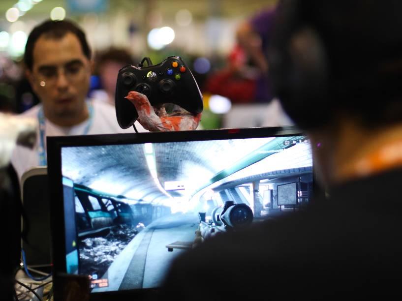 Campuseiros viram a noite na Campus Party: participantes passam a noite em claro entretidos com jogos on-line