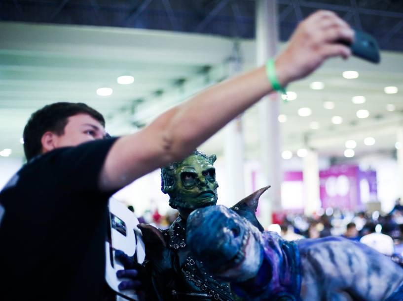 O selfie faz parte da cultura do campuseiro: smartphones e câmeras GoPro registram cada momento da Campus Party