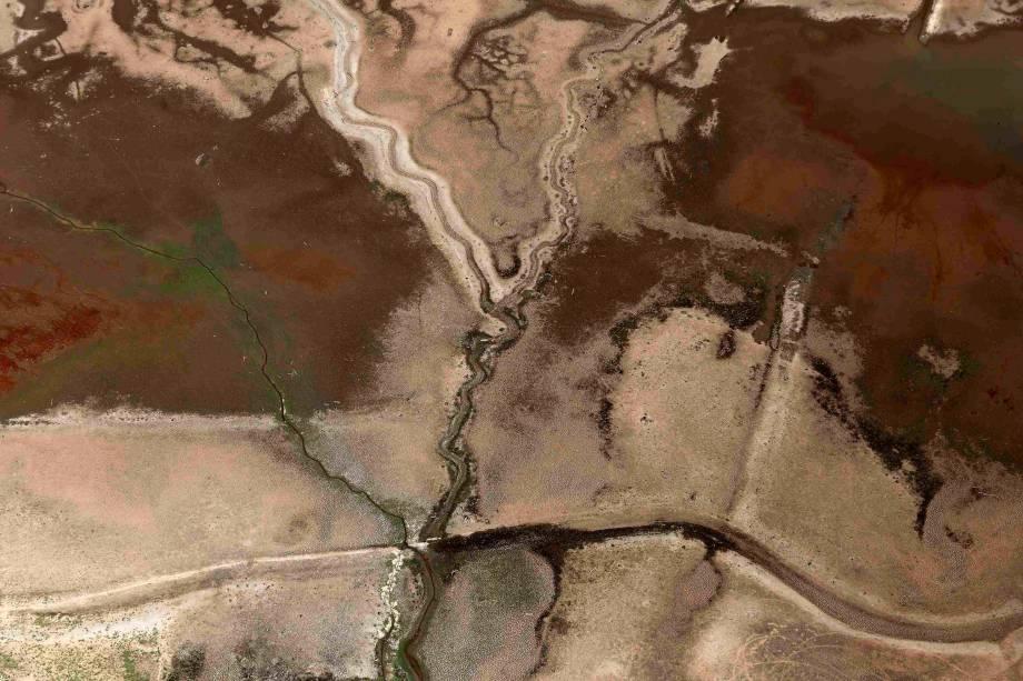 <p>Seca na represa de Jaguari, parte do Sistema Cantareira, em Bragança Paulista</p>