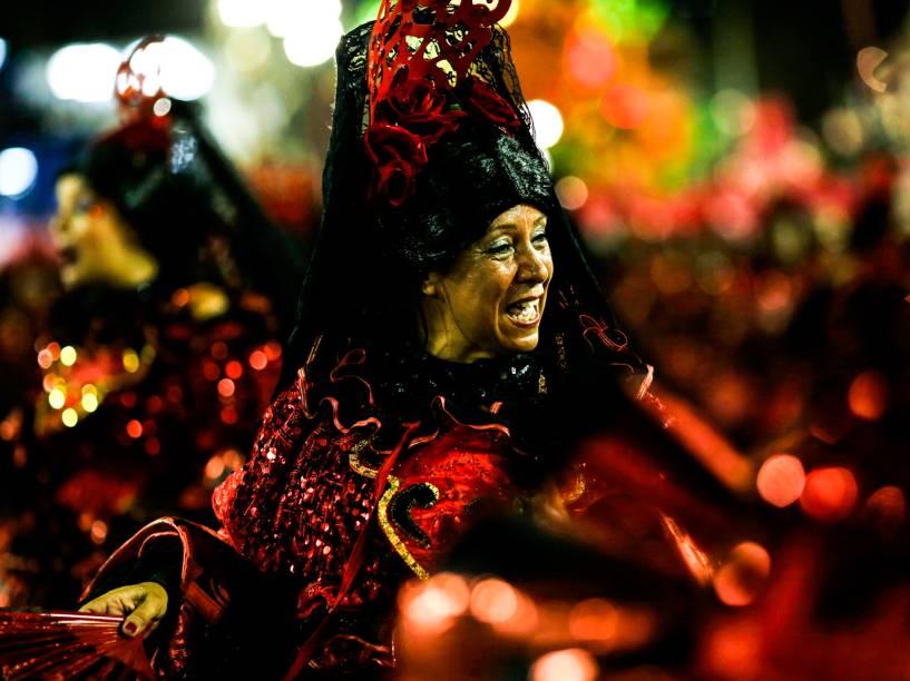 Acadêmicos do Salgueiro é a segunda escola a entrar na Marquês de Sapucaí na segunda noite de desfiles do grupo especial