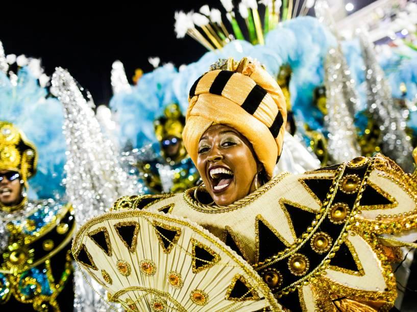 Unidos de Vila Isabel abre a segunda noite de desfiles do grupo especial do Carnaval carioca