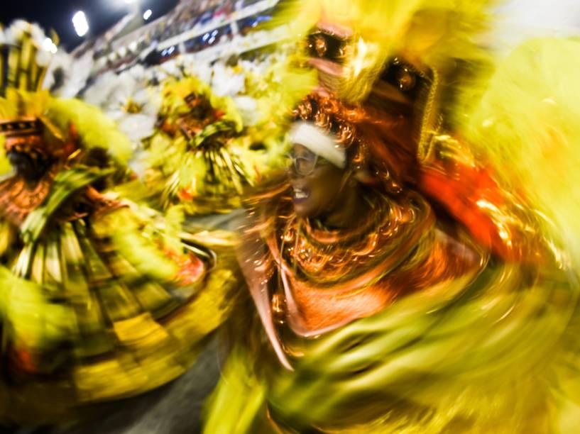 """Unidos de Vila Isabel desfila na Marquês de Sapucaí com o samba-enredo """"Memórias do """"Pai Arraia"""" – Um sonho pernambucano, um legado brasileiro"""""""