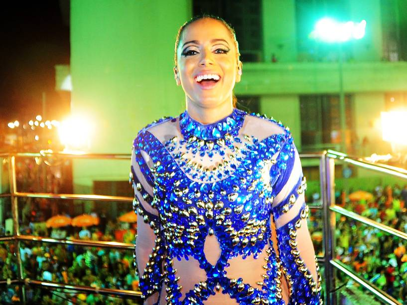 A cantora Anitta durante o circuito Dodô (Barra/Ondina) do Carnaval de Salvador (BA) - 12/02/2015