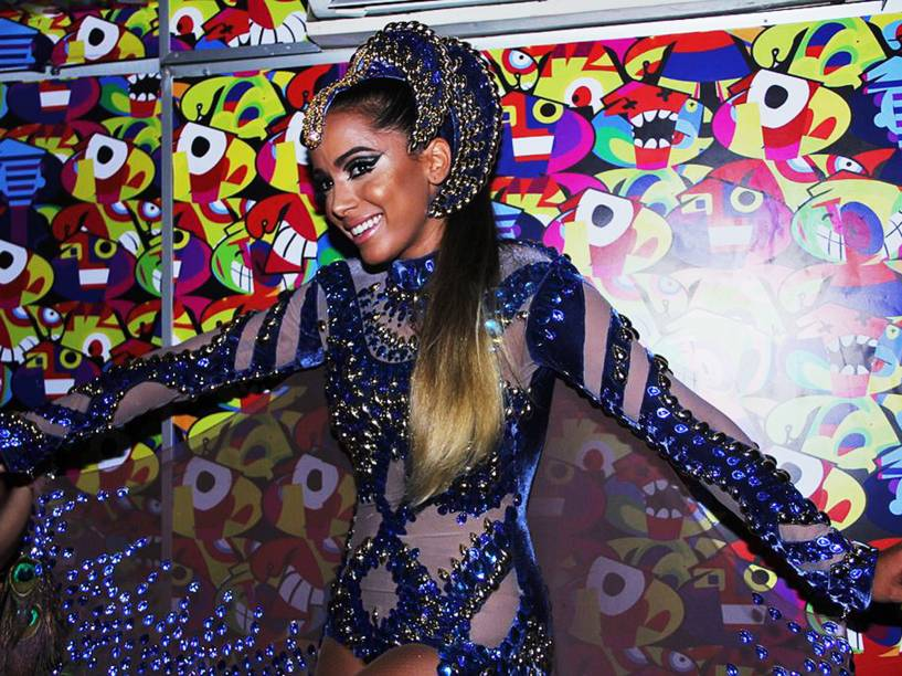 Anitta se prepara para cantar no Carnaval de Salvador (BA) - 12/02/2015