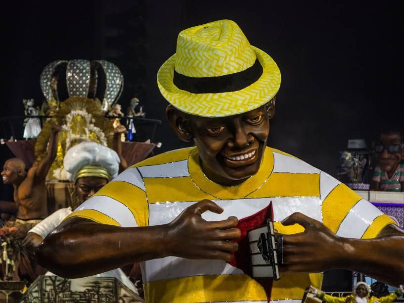 Alegoria da Comissão de Frente da Unidos do Peruche durante o segundo dia de desfiles do Grupo Especial do Carnaval de São Paulo