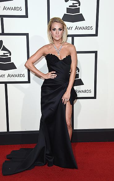Carrie Underwood durante a 58ª edição do Grammy, premiação que elege os melhores da música internacional, que acontece nesta segunda-feira (15)