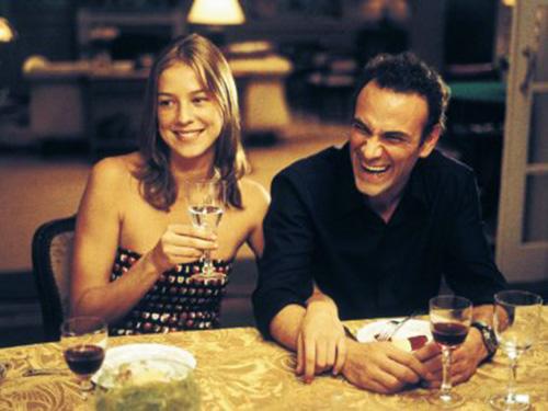 Ao lado de Marco Ricca, Luana Piovani estrela o filme O Casamento de Romeu e Julieta, de 2005