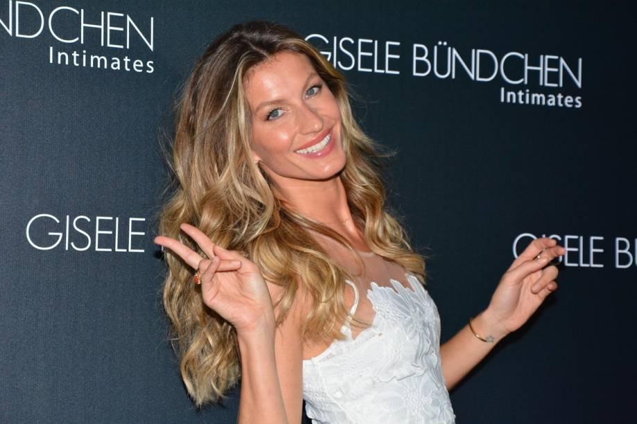 A modelo Gisele Bündchen no evento de lançamento da coleção de verão da sua marca de lingerie, Gisele Bündchen Intimates, em São Paulo