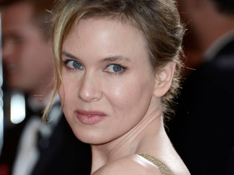 A atriz Renée Zellweger chega para o Oscar de 2013, já bastante magra
