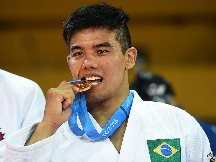 Charles Chibana derrotou o canadense Antoine Bouchard para trazer a quarta medalha brasileira no judô em Toronto