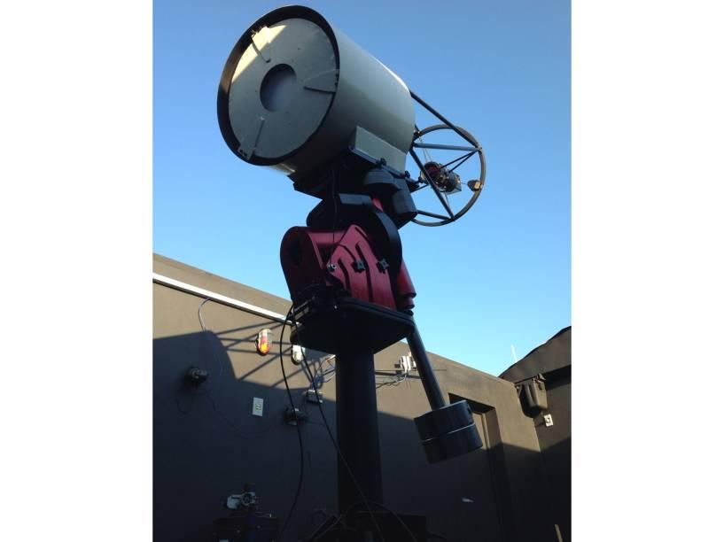 <p>Telescópio 450mm do Sonear</p>