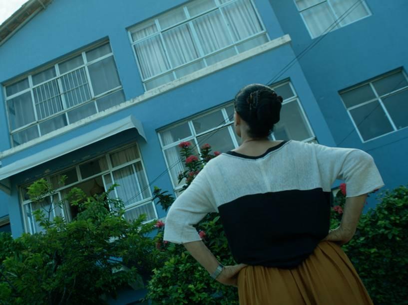 Clara (Sônia Braga) e o prédio Aquarius são os protagonistas do filme que fala sobre resistência