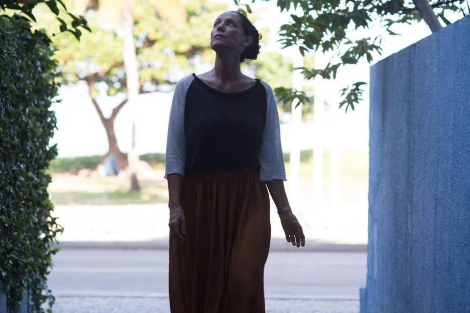 Sônia Braga no filme Aquarius de Kléber Mendonça Filho