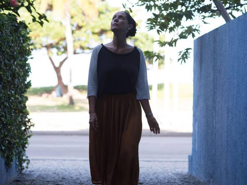 No filme 'Aquarius', de Kléber Mendonça Filho, Sônia Braga vive mulher que se recusa a deixar apartamento