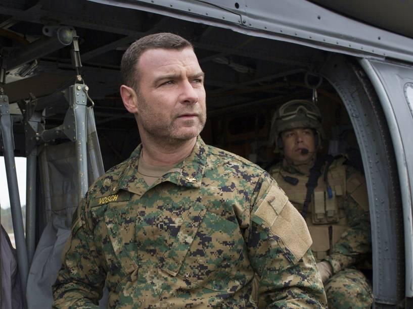 Liev Schreiber (Colonel Vosch) no filme A 5ª Onda