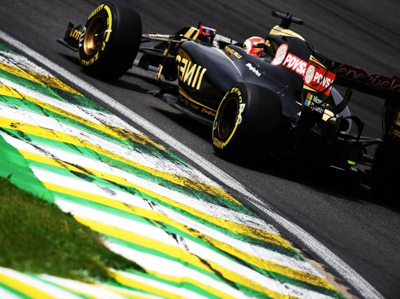 O piloto Romain Grosjean durante treino no autódromo de Interlagos, na zona sul da cidade de São Paulo, SP, neste sábado (14), para o treino do Grande Prêmio do Brasil de F1