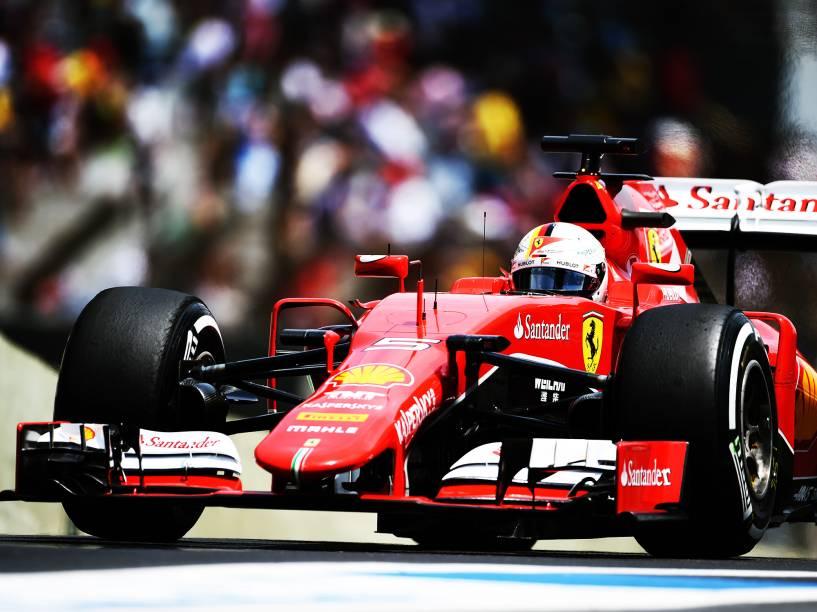 Vettel durante treino em Interlagos