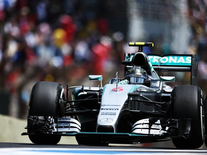 Nico Rosberg, o pole position, durante treino em Interlagos