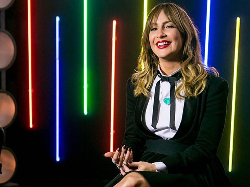 Claudia Leitte ao estilo colegial japonesa no primeiro episódio do The Voice Brasil 2015