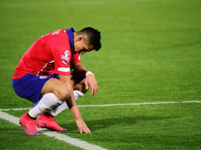 O atacante chileno Alexis Sánchez durante partida contra o México