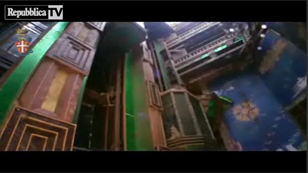 Imagens subaquáticas do navio naufragado Costa Concordia