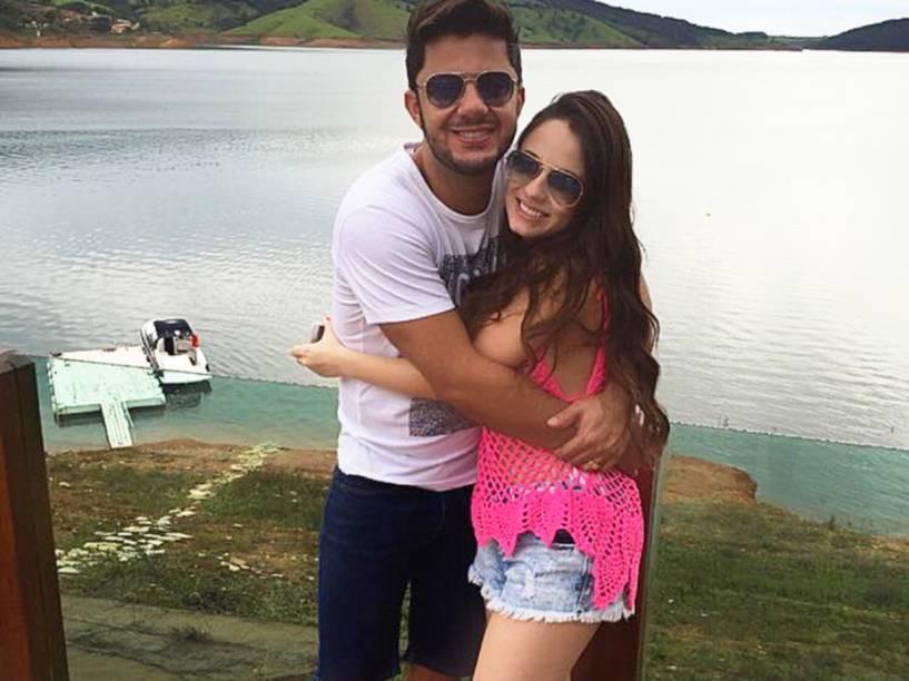 O cantor Cristiano Araújo e a namorada Allana Coelho Pinto de Moraes