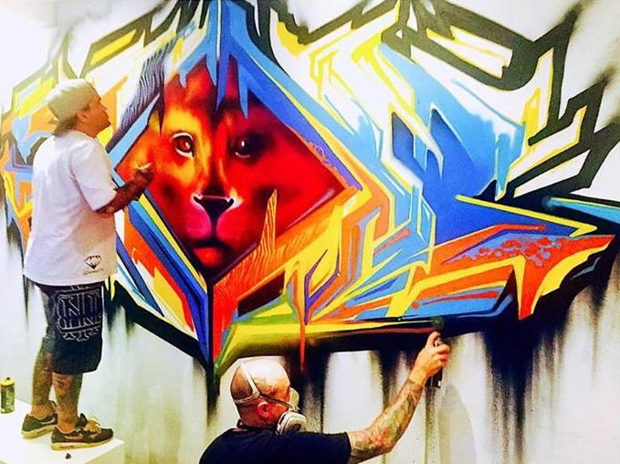 Dado Dolabella mostra no Facebook, orgulhoso, a pintura que fez em casa