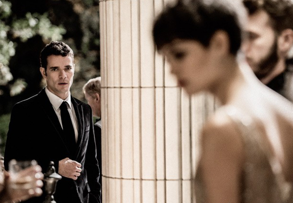 Daniel Oliveira e Sophie Charlotte em cena de O Rebu, da Globo