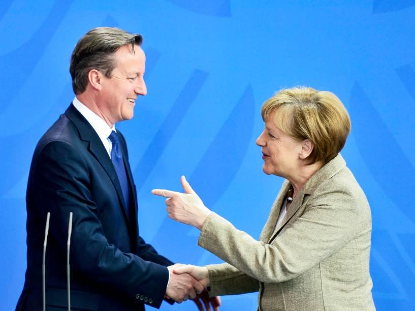 A chanceler alemã, Angela Merkel e o primeiro-ministro britânico David Cameron, após reunião em Berlim, Alemanha