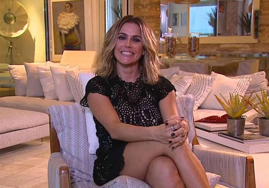 Deborah Secco participa do Domingão do Faustão