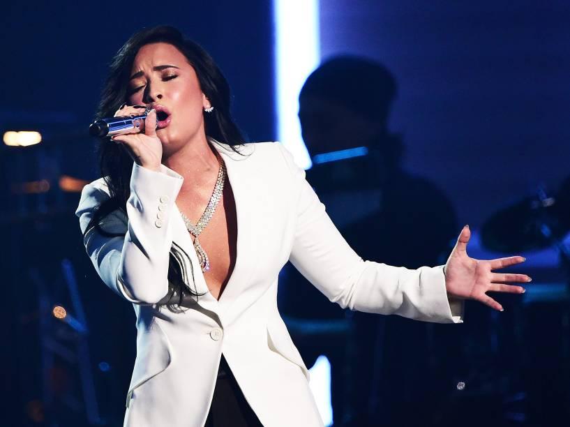 Demi Lovato durante 58ª edição do Grammy, premiação que elege os melhores da música internacional, que acontece nesta segunda-feira (15)
